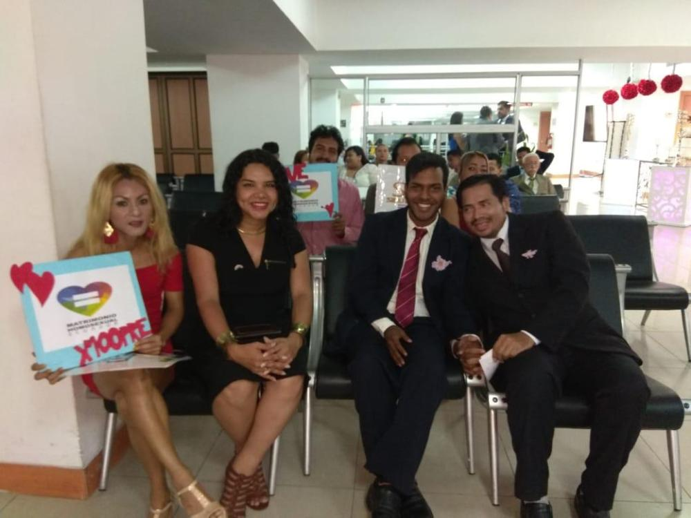 3er matrimono homosexual en Ecuador y el 1ero de hombres gays - Cámara LGBT Comercio Ecuador - Asociación Silueta X 13.jpg
