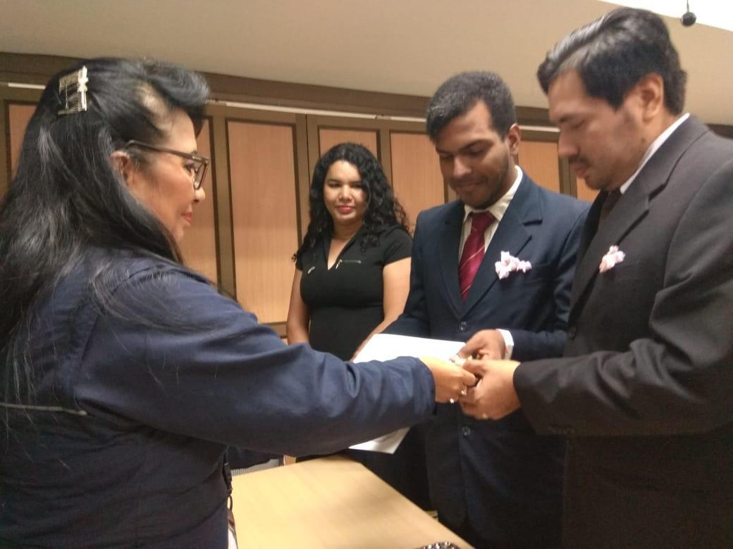 3er matrimono homosexual en Ecuador y el 1ero de hombres gays - Cámara LGBT Comercio Ecuador - Asociación Silueta X 2.jpg