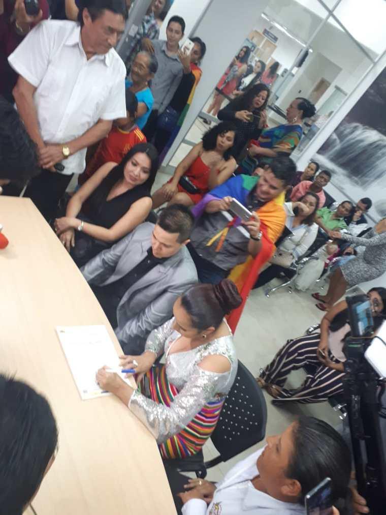 fotos del 2do matrimonio homosexual en Ecuador de Gina y Veronica en Santo Domingo de los Tsashilas 13.jpg