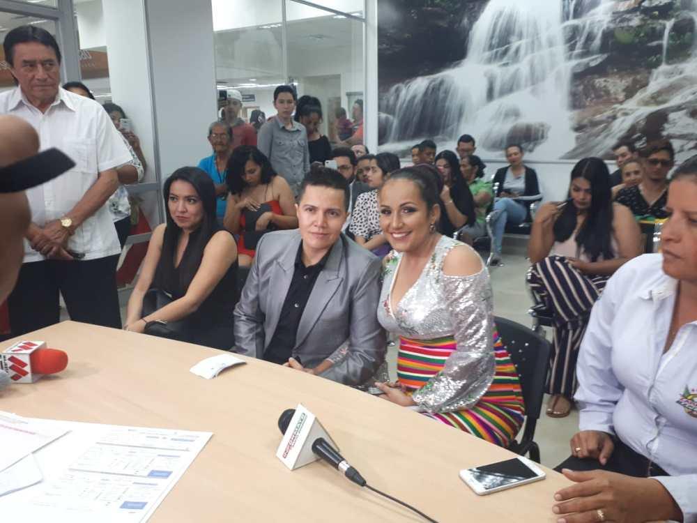 fotos del 2do matrimonio homosexual en Ecuador de Gina y Veronica en Santo Domingo de los Tsashilas 15.jpg