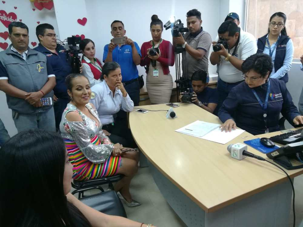 fotos del 2do matrimonio homosexual en Ecuador de Gina y Veronica en Santo Domingo de los Tsashilas 3.jpg