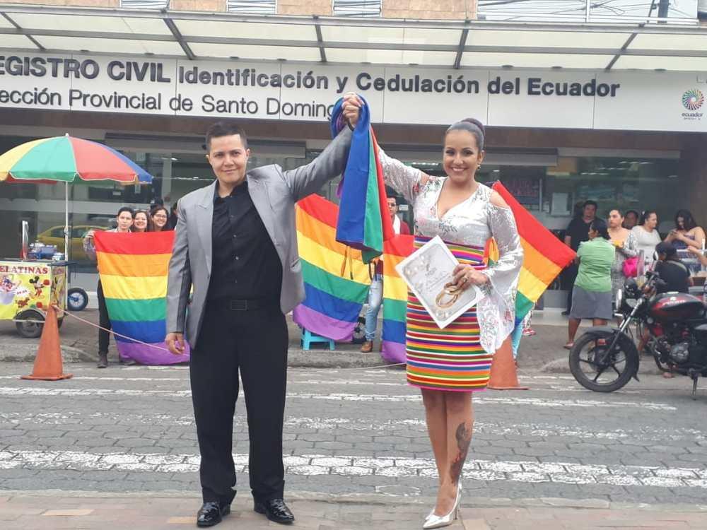 fotos del 2do matrimonio homosexual en Ecuador de Gina y Veronica en Santo Domingo de los Tsashilas 8.jpg