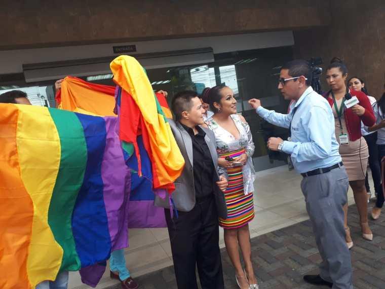 fotos del 2do matrimonio homosexual en Ecuador de Gina y Veronica en Santo Domingo de los Tsashilas 9.jpg