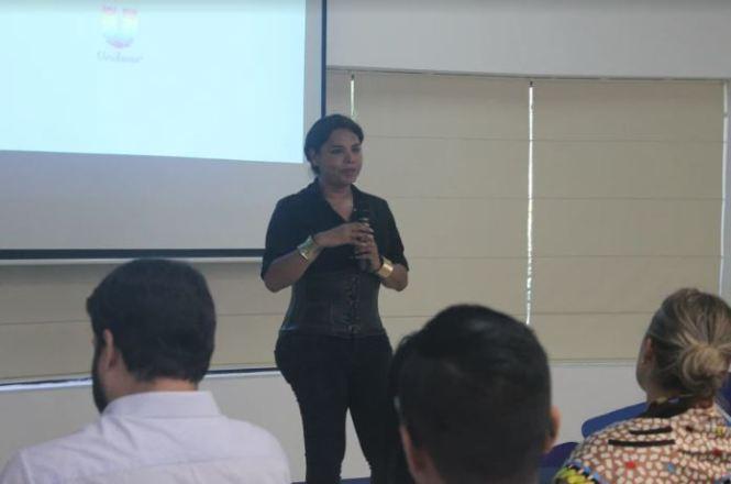 Cámara LGBT de Ecuador dicta taller derechos a personal de UNILEVER - Certificación Frendly BE - Diane Rodríguez (1)