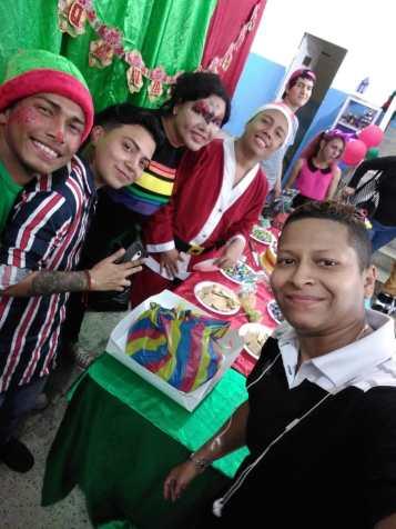 Agasajo de niños con VIH - SIlueta X - Cámara LGBT - Transmasculinos Ecuador 2019 -niños enfermeddes catastroficas (93)