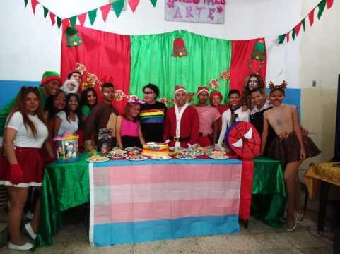 Agasajo de niños con VIH - SIlueta X - Cámara LGBT - Transmasculinos Ecuador 2019 -niños enfermeddes catastroficas (94)