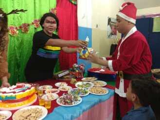 Agasajo de niños con VIH - SIlueta X - Cámara LGBT - Transmasculinos Ecuador 2019 -niños enfermeddes catastroficas - Diane Rdríguez (8)