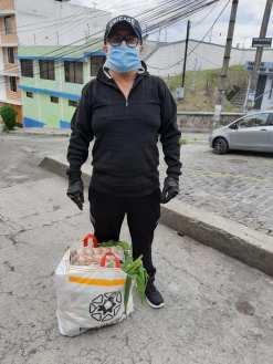 Donación de canastas y alimentos por parte de la Asociación Silueta X, centro Pisco Trans y La Camara LGBT de Comercio Ecuador - Covid19 - Apoyo Prefectura de Pichincha (15)